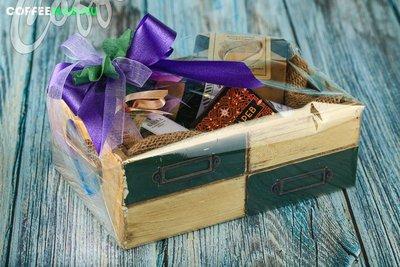 Подарочный набор в деревянном ящике №11